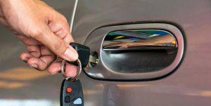 Image d'une clé bloquée dans la serrure